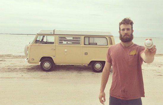 Daniel Norris woont in Volkswagen Westfalia camper