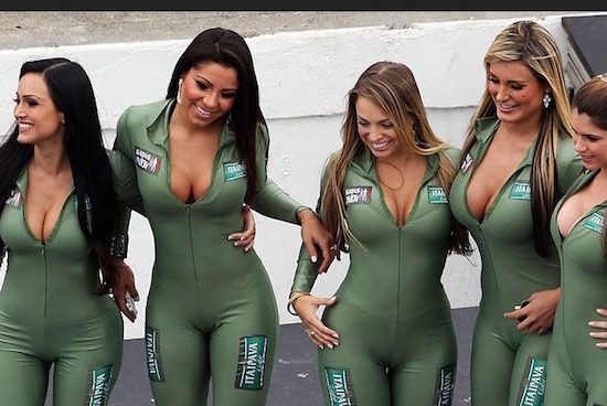 Gp van brazili krijgt grid boys en grid girls for Where do models live in new york