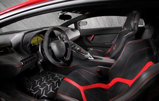 Aventador SV interieur