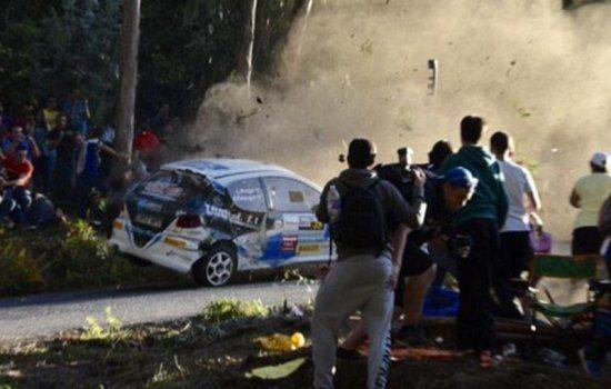 Heftige rallycrash kost zes toeschouwers het leven