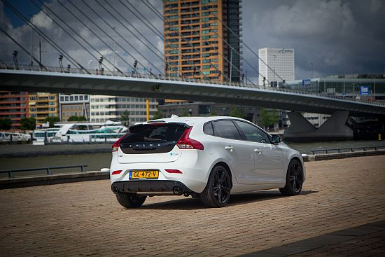 Volvo V40 D4 Carbon Edition