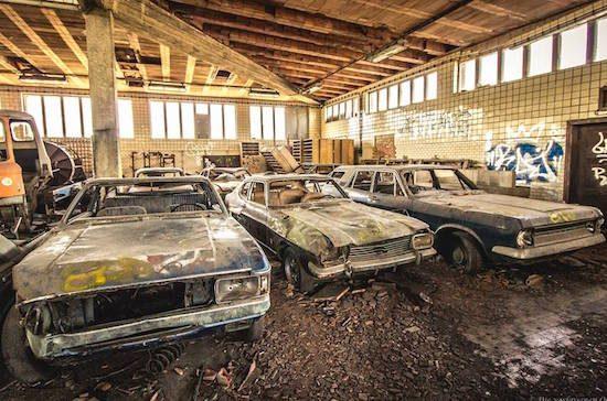 Dit autokerkhof is het walhalla voor iedere Ford-fanaat