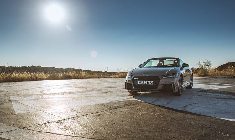 Audi TT RS rijtest en video