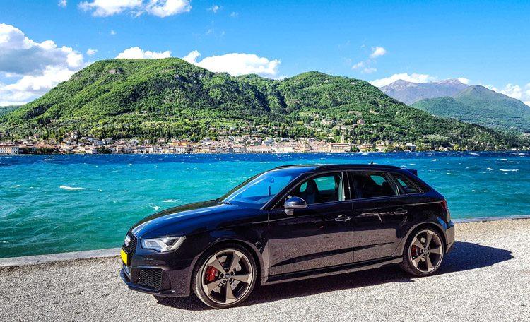 Audi RS3 met piepende schijven