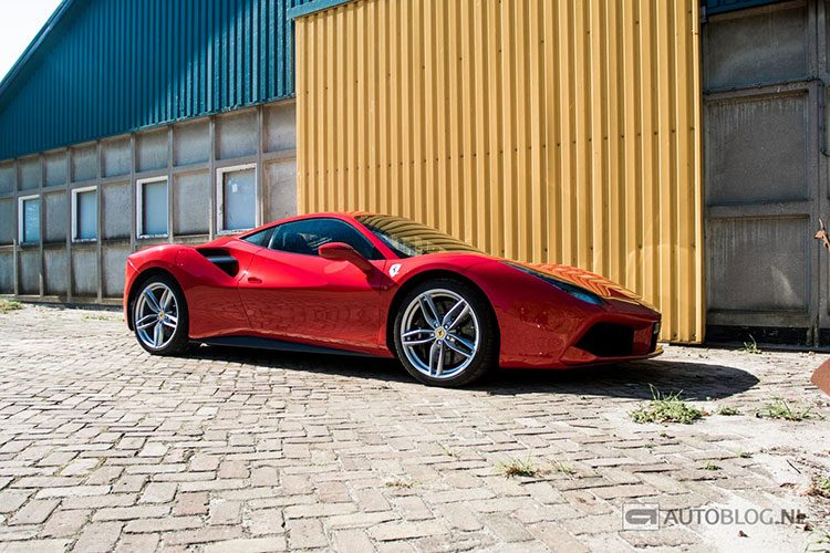 Ferrari 488 GTB rijtest en video