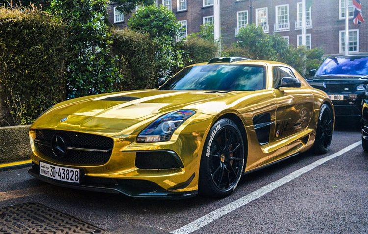 Mercedes SLS Goud