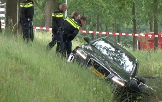 Audi RS6 in Greppel