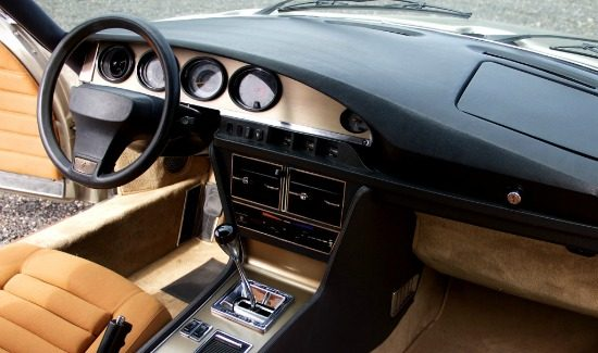 citroen-sm-interior-velours-brown