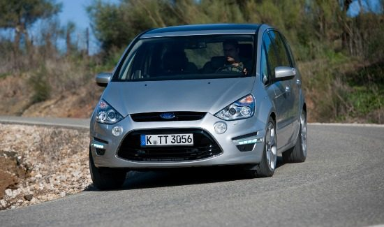ford-smax-silver-corner-front