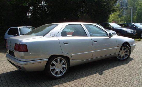Kun je Maserati Quattroporte rijden voor minder dan € 10K?