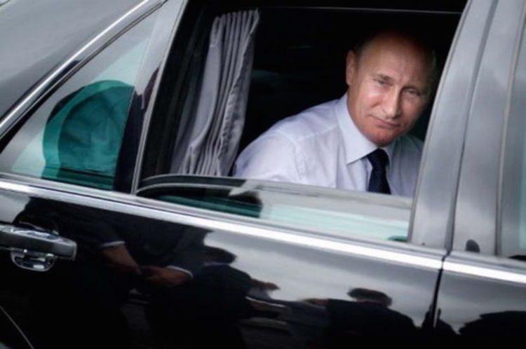 Poetin in zijn auto