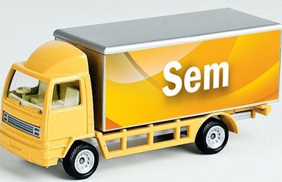Hoi. Ik ben een grote auto en ik heet Sem.