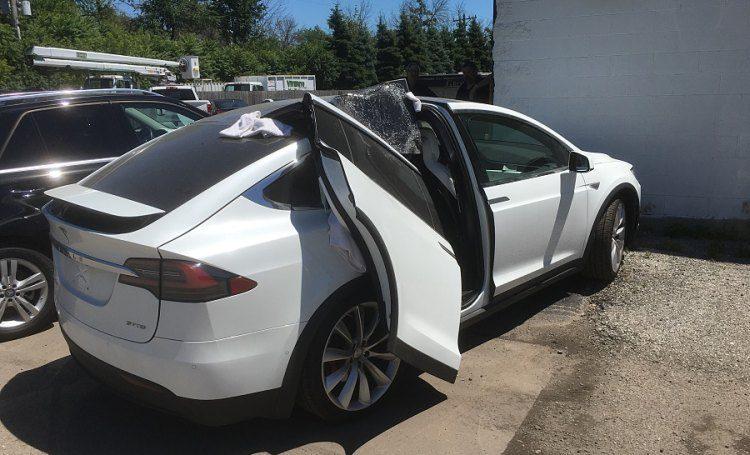 Wat is deze Tesla-rijder vergeten?