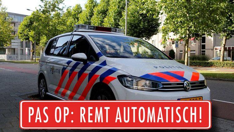 Automatisch Remmende politieauto