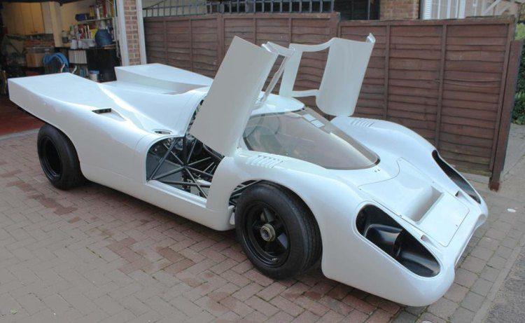 Deze dudes bouwen een geweldige Porsche 917