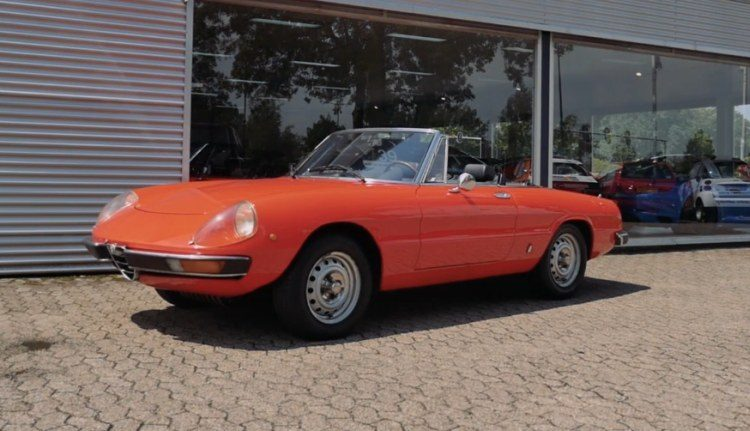 alfa romeo spider 1966 1993 occasion video aankoopadvies. Black Bedroom Furniture Sets. Home Design Ideas