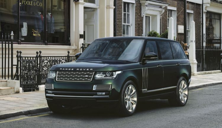 Range Rover wil de Bentayga slopen