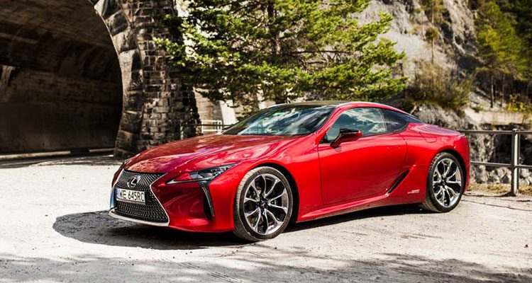 Lexus LC 500 en 500h rijtest en video