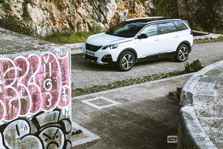 Peugeot 5008 2017 rijtest en video