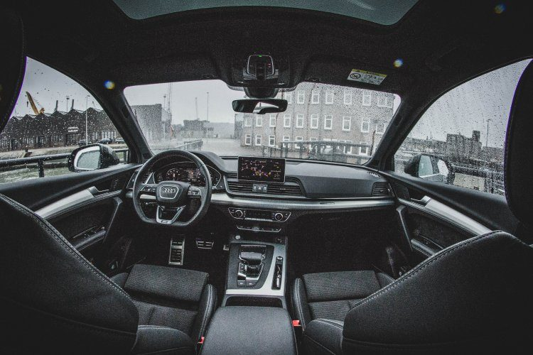 Audi Q5 2.0 TFSI First Edition interieur