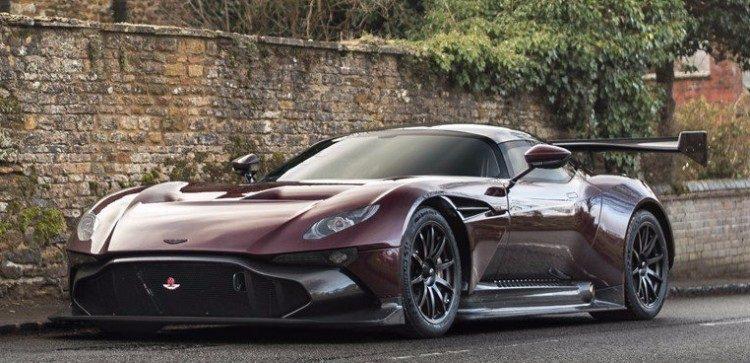 Zo werd de Aston Martin Vulcan straatlegaal gemaakt