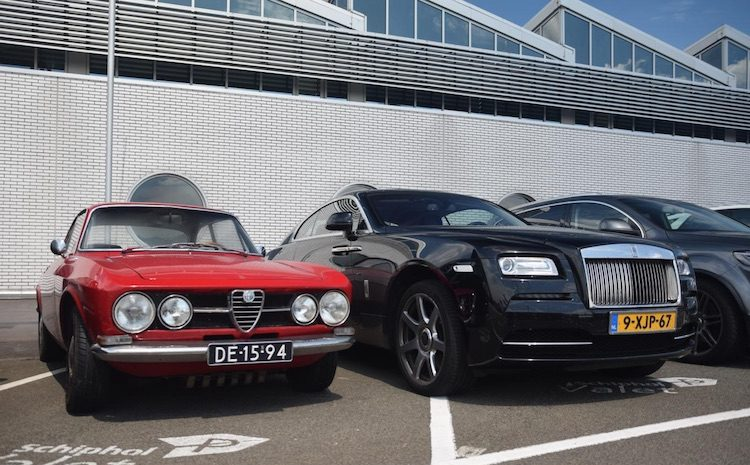 Rolls-Royce Wraith Vs. Alfa Romeo GT 1750 Junior