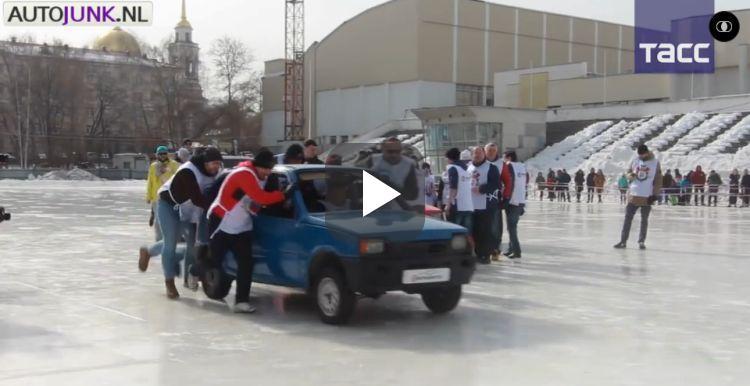 Ruslandvideo: curling met auto