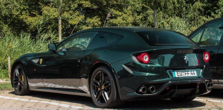 Gespot: is dit de mooiste kleur voor een Ferrari FF?