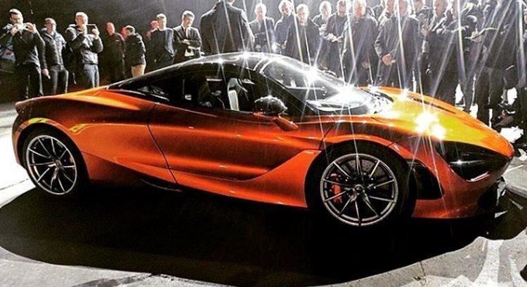 De McLaren P14 druppelt het web op