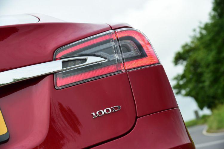 Tesla Model S zet nieuw afstandsrecord!