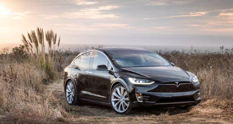 Waarom Tesla 11.000 Model X'en terugroept