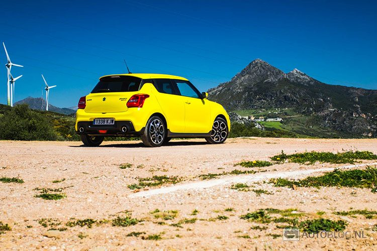 Suzuki Swift Sport rijtest en video