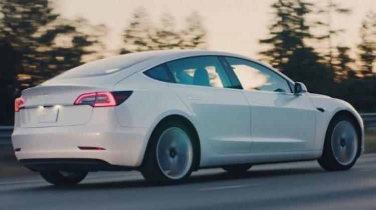 Tesla Model 3 Dual Motor is sneller dan een BMW M3