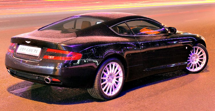 Aston Martin DB9 Coupé '04