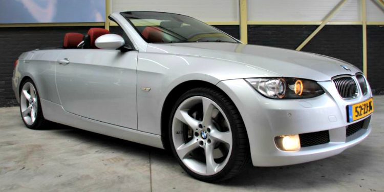 BMW 330dA Cabriolet High Executive (E93) '08