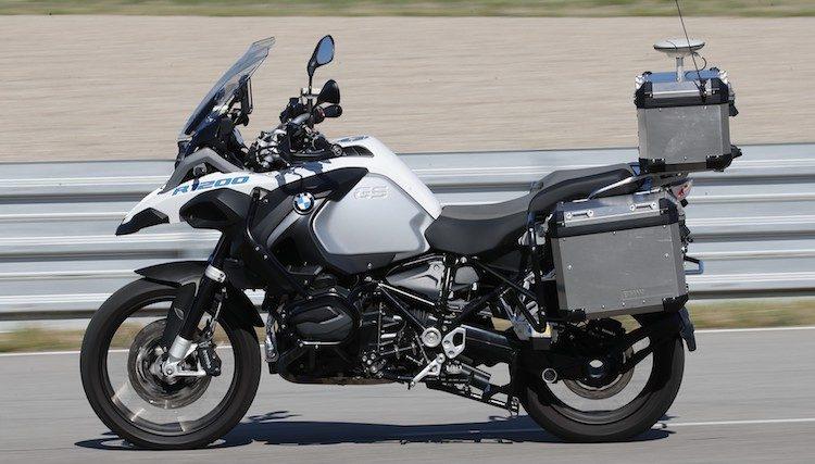 BMW's zelfrijdende motor wil rijden nóg leuker maken