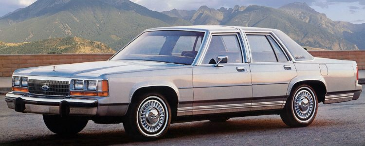 Ford LTC Crown Victoria '88