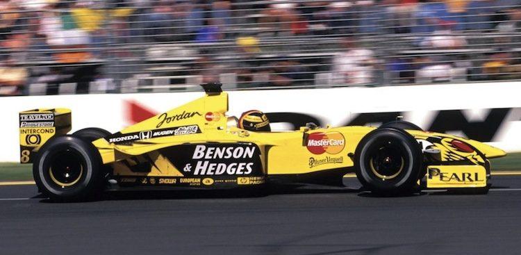 Koop een échte F1-wagen voor 300K euro's!