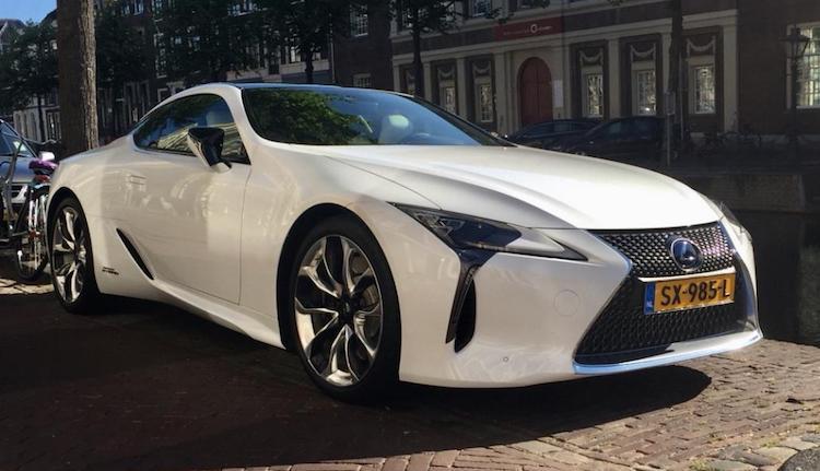Gespot: de nieuwe Lexus LC500h van Victor Mids