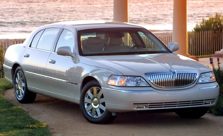 Lincoln Town Car Cartier L '03