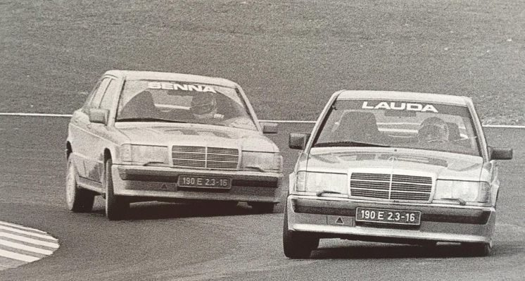 Twee 190E racers