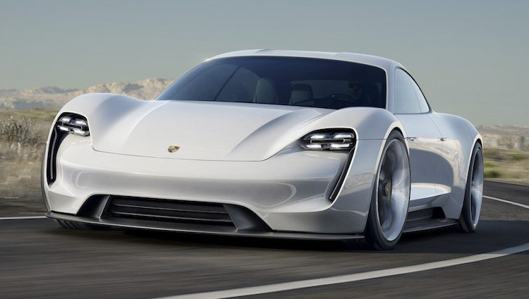 Porsche Taycan vliegt als warm brood over de toonbank