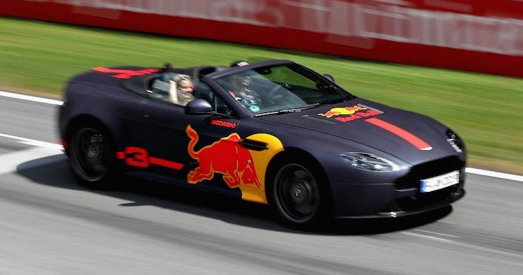 Bacon! Aston Martin en Red Bull overwegen deelname DTM