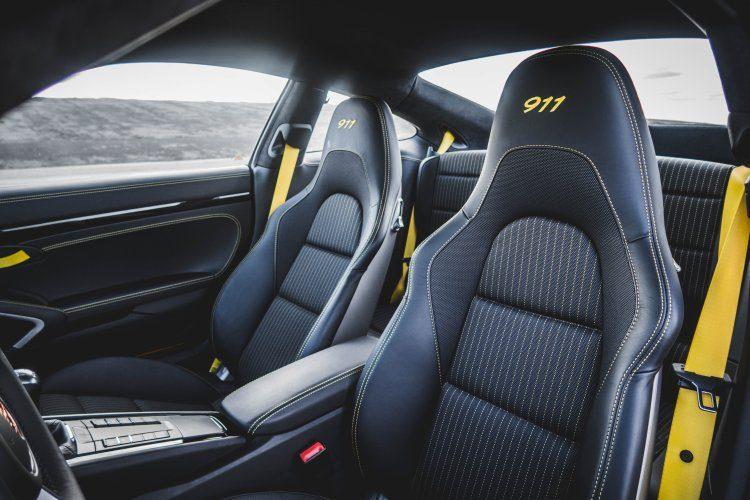Porsche 911T racingyellow