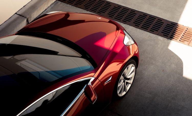 Eén stad krijgt deze week duizenden Tesla's Model 3