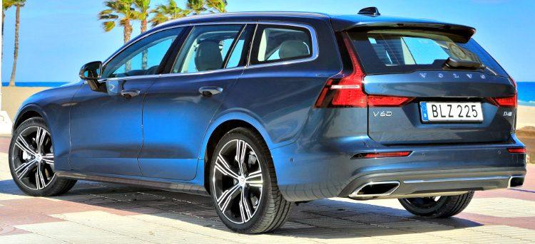 Volvo V60 T5 Momentum '18