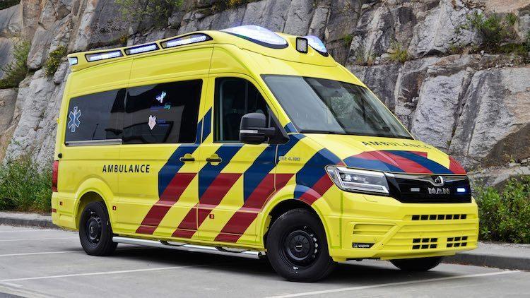 Deze gloednieuwe MAN-ambulance kun je dit najaar spotten