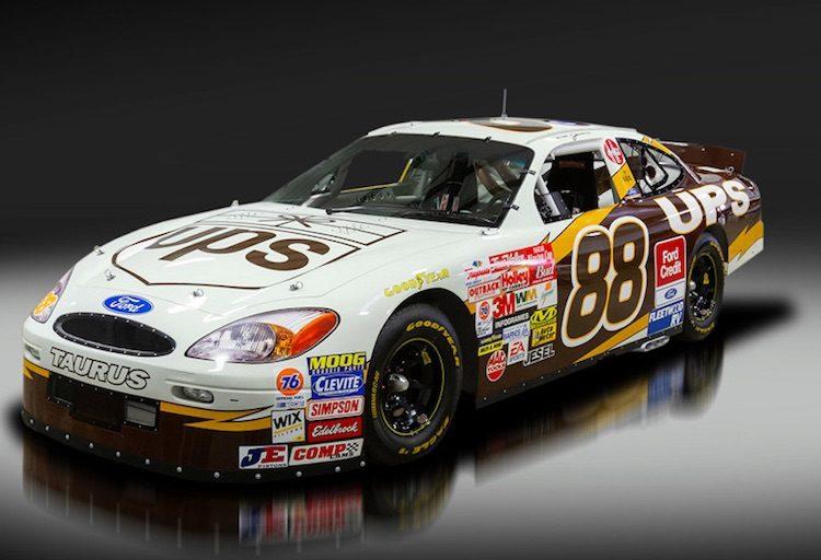 Op deze NASCAR-auto mag een kenteken
