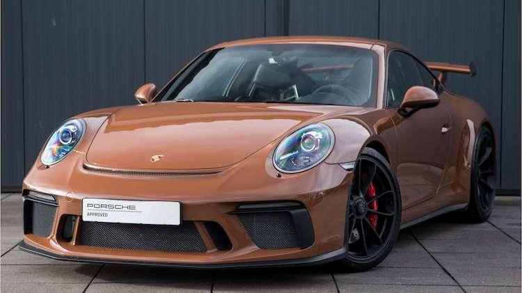 Porsche-dealer verkoopt 8 pijlsnelle GT3's