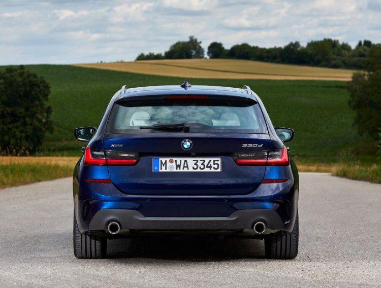 BMW 330d Touring G21